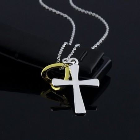 Collar con cruz y corazón
