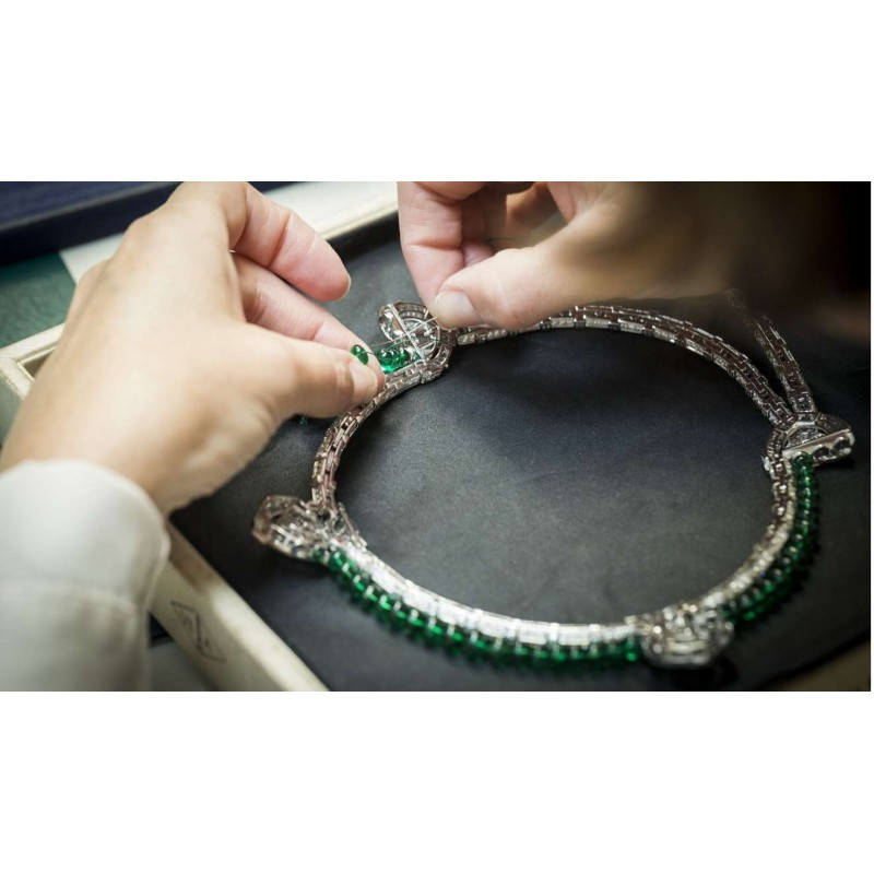 Collar de Cartier que se transforma en broches o pendientes