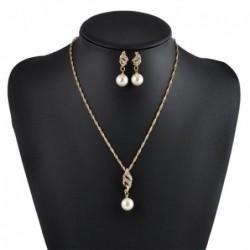 Conjunto con perlas y cristal