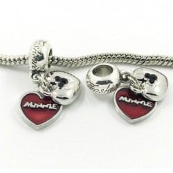 Dos accesorios de pulseras