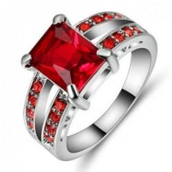 Anillo Piedra roja cuadrada