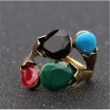 Anillo con piedras multicolor