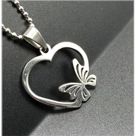 Collar mariposa de corazón