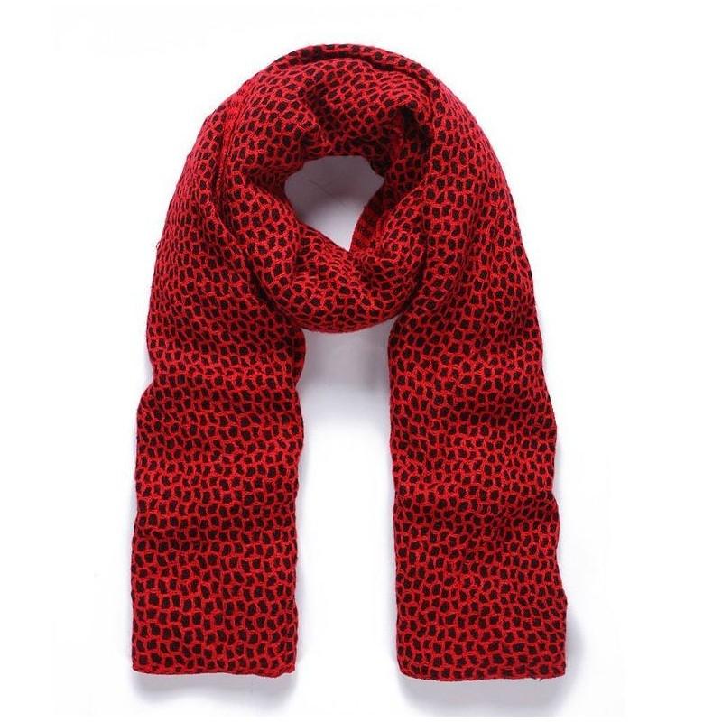 Fular rojo y negro tejido grueso