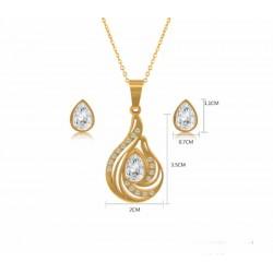 Conjunto dorado de collar y pendientes corazón