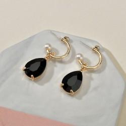 pendientes con piedras color negro