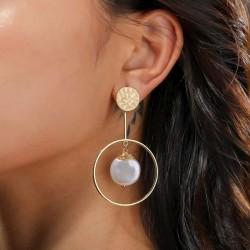 Pendientes de mujer con perlas blancas