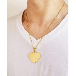 collar dorado con corazón grande