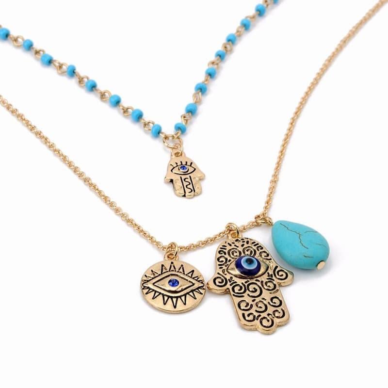 Collar doble con tres amuletos