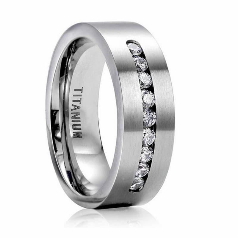 alianza y anillo de compromiso juntos