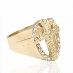 que dice la biblia sobre los anillos con cruces
