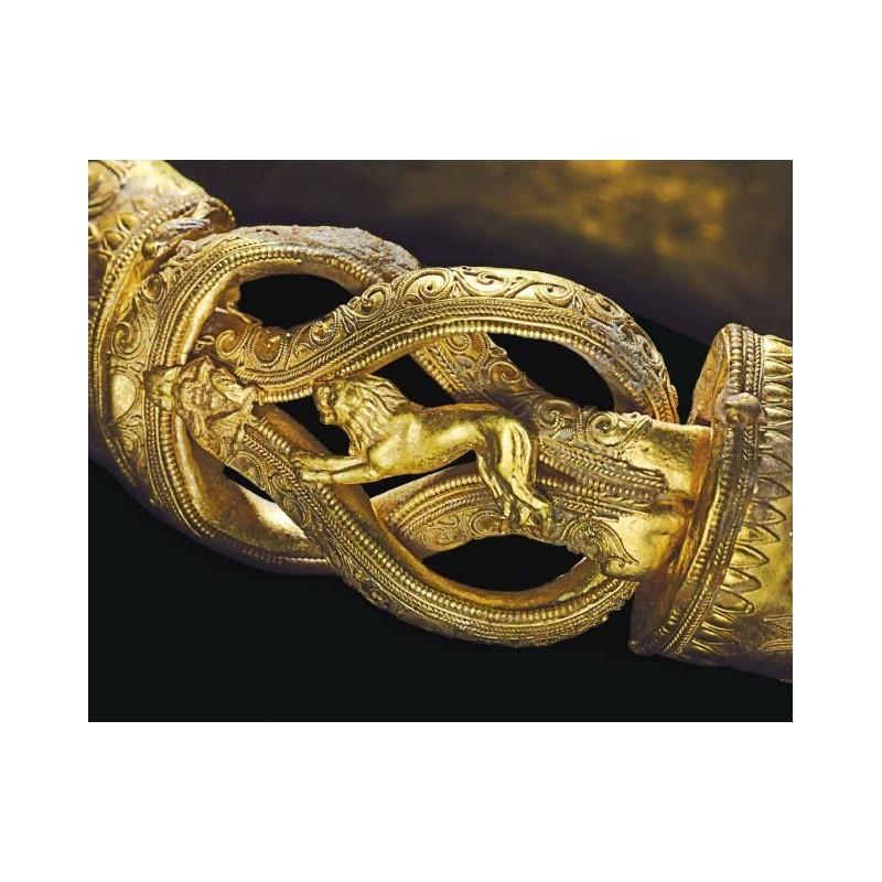 Antiguo brazalete de oro griego