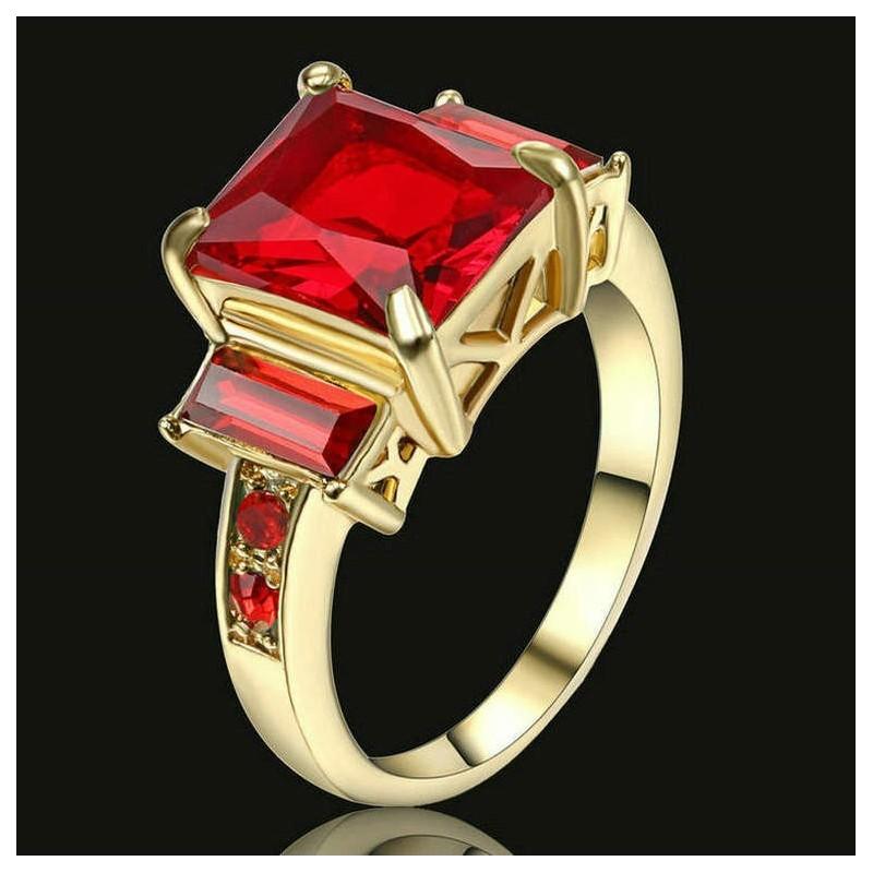Anillo con piedras cristal rojo