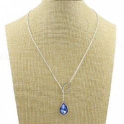Collar de mujer con piedra azul