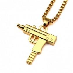 Collar bañado en oro con un colgante arma