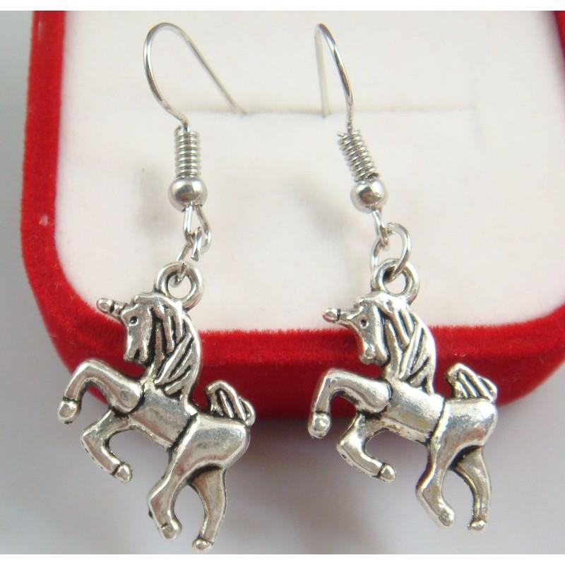 Pendientes chapados en plata con unicornio (sin caja)