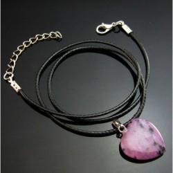 Collar  con corazón púrpura