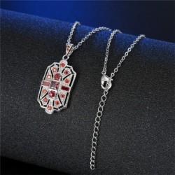 Collar platado con piedras azules o rojas
