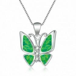 Collar plateado con mariposa verde
