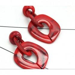 Pendientes de resina rojos